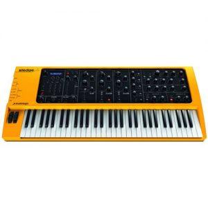 Studiologic Sledge 2.0 61 Key Synthesizer at Gear 4 Music Image