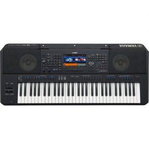 Yamaha PSR SX900 Digital Arranger at Gear 4 Music Image